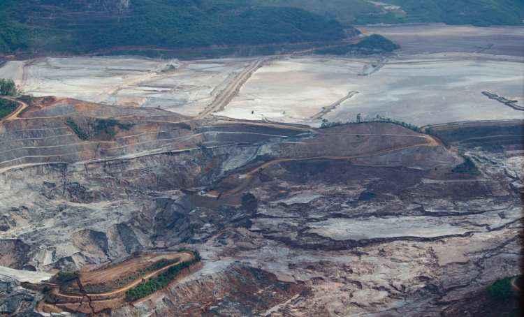 barragem da mineradora samarco fundão