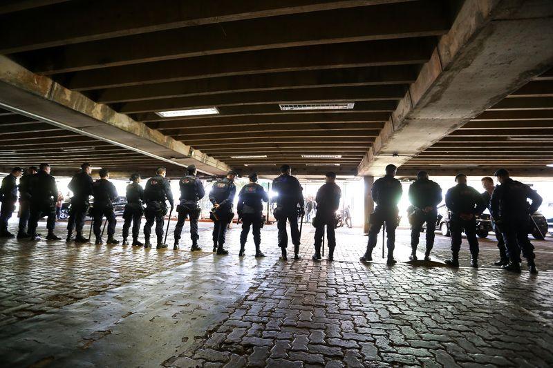 Brasília - Agentes penitenciários protestam ao redor do Congresso Nacional contra a reforma da previdência (Marcelo Camargo/Agência Brasil)