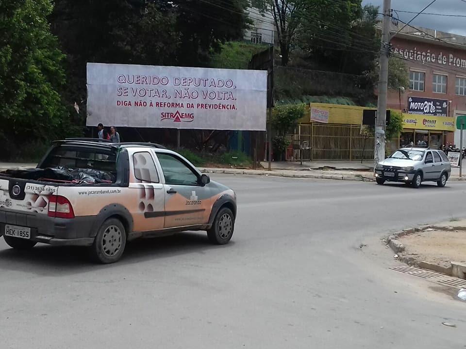 Rua Ari Teixeira, em Ribeirão das Neves