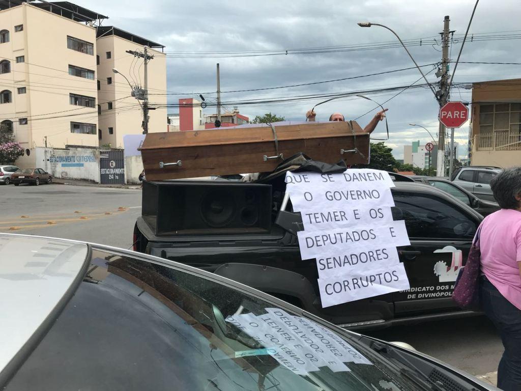 Ato e passeata contra PEC 287 em Divinópolis 3