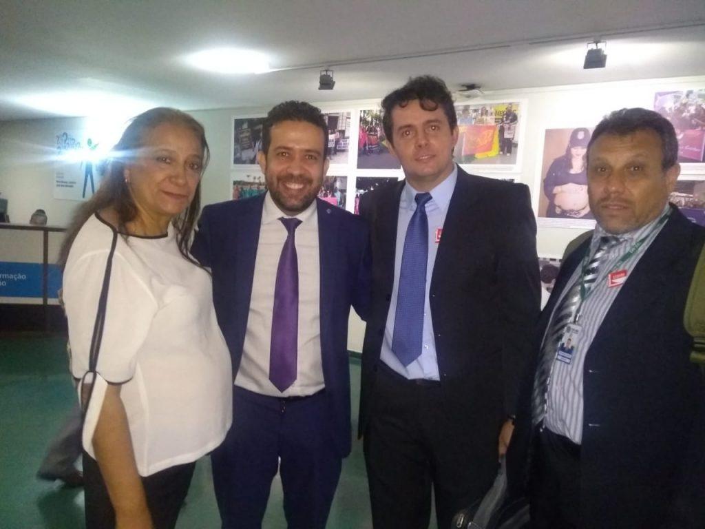 Com o deputado André Janones.